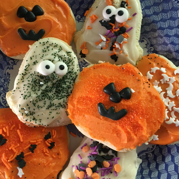 Fun With The Kids Cheryl S Cookies Halloween Cut Out Cookie