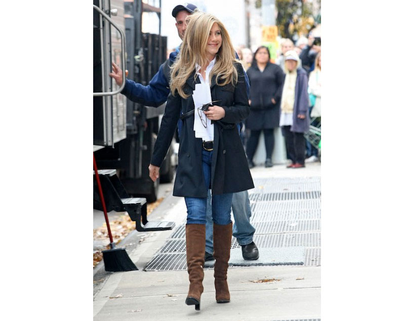 f8220aa5c5 Steal Celebrity Style: Jennifer Aniston's Casual Look for Autumn ...